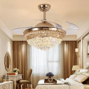 Ceiling fan with retractable blades (UNI-195)